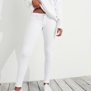 Hollister White Low-Rise Super Skinny Jeans